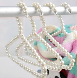Wholesale Pearl Hangers - 60pcs Fashion 20cm Width White Plastic Pearl Kids Children Clothes Hangers Pet Dog Clothing Drying Hanger Clothes Pegs