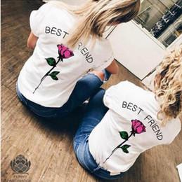 Beste weiße hemden online-Frauen Mode BEST FRIEND T-Shirts Sommer Weiß Floral Rose Printed Tees Kurzarm Tops Weiblich Casual Tee