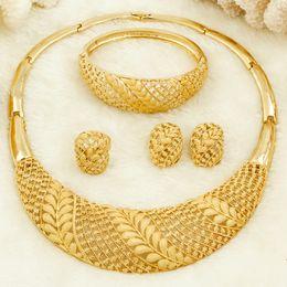 2019 mode design dubai Afrikanische Frauen Modeschmuck Braut Hochzeit Schmuck Sets 18 Gold Dubai Gold Design Hoop Ring Ohrringe Bettelarmband rabatt mode design dubai