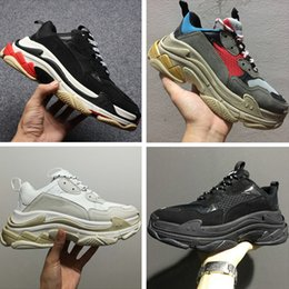 Wholesale hard soled shoes - 2017 Autumn Winter Running Shoes 17FW Triple-S Leather and Mesh Thick Soled Shock Absorption Sports Sneakers