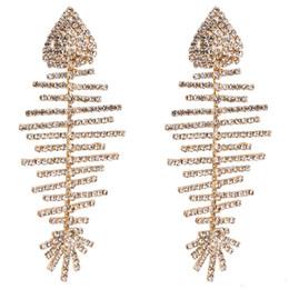 Semplici orecchini a goccia lunghi online-lunghi orecchini a goccia nappa per le donne di lusso boho personalità strass orecchini pendenti semplici gioielli di moda vintage osso di pesce all'ingrosso