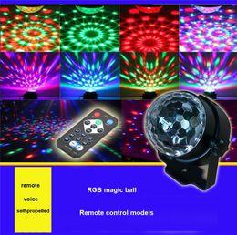 contexto de rideau vidéo Promotion Boule magique de cristal a mené la lampe d'étape Télécommande Lumières d'étape de RVB tournant la scène colorée Disco Laser Light Party