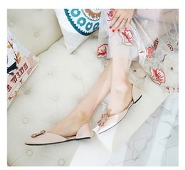 Wholesale Office Dress Pregnant - Flat shoes, women's Joker, hollow pointed shoes, 2018 spring new style buckles, crystal slippers, pregnant women's wedding shoes.