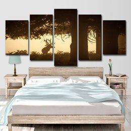 Peintures grands arbres en Ligne-Peintures Sur Toile HD Prints Wall Art 5 Pièces Cerf Sous Le Grand Arbre Photos Coucher Du Soleil Animal Bucks Affiches Décor À La Maison