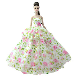 toy wedding dress Promo Codes - NK One Pcs 2018 Princess Wedding Dress Noble Party Gown For Doll Fashion Design Outfit Best Gift For Girl' Doll 085C