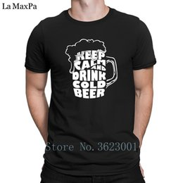Camiseta barata online-Imprimir Building T-Shirt Mantener la calma y beber cerveza fría Tee Shirt Costume Cheap Tshirt For Men Cotton Hombres Camiseta de marca Original