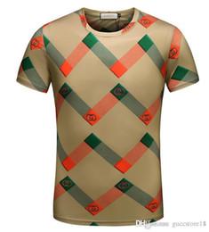 92f488266 2018 Novo Designer de Luxo Mens T Camisas Top Quality Nova Moda Maré  Sapatos Impresso Tops Dos Homens T-shirt Múltipla Cor Selecionável Tamanho  M-3XL