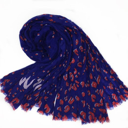 Wholesale leopard print scarves for women - Autumn and winter classic print leopard pattern good quality cashmere material creasing long scarf for women size 180cm * 130cm