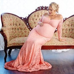 cea0e294e 2018 Vestido de maternidad de moda para la sesión de fotos maxi vestido de  maternidad sin hombros de encaje de lujo mujeres atractivas accesorios de  ...