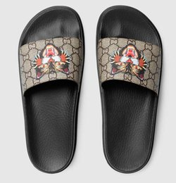 Wholesale Men Eva Sandals - Men designer sandals 2018 casual rubber summer huaraches slippers loafers fashion flats leather luxury Brand slides designer sandals 38-45