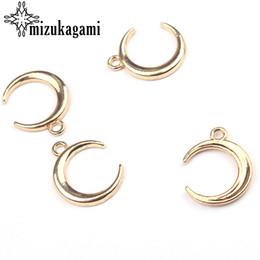 pendente d'oro a forma di luna Sconti intero sale11 * 20mm Charms in lega di zinco pendente oro Hollow forma di luna Charms per la collana fai da te monili che fanno la ricerca di accessori