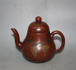 Wholesale Antique Gu - Antique collection Folk Art China Yixing Zisha Teapot Hand carved Hand-painted grapes purple teapot Kung Fu teapot Gu Jingzhou Marks