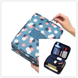 caso estetista Sconti Beautician Vanity Necessaire Trip Women Travel Toiletry Wash Bra Intimo Makeup Case Cosmetic Bag Organizer Accessori