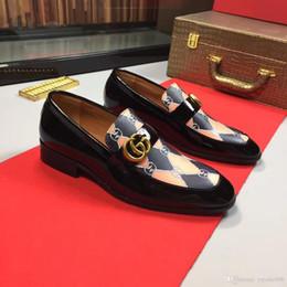 Top New Design Gradine Couleur Wingtip Chaussures Formelles Hommes Pointe Toe Casual Robe De Fête De Mariage ? partir de fabricateur