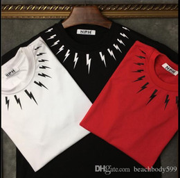 Camisa de cuello de color negro online-2018 verano Europa y los Estados Unidos collar camiseta de algodón de manga corta con estampado de relámpagos en color blanco y negro para hombres y mujeres