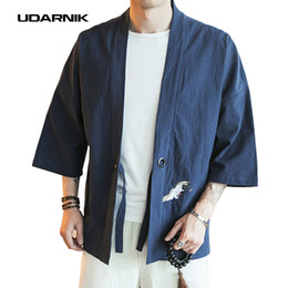 Hombres del bordado Abrigo Yukata Japonés Chaqueta Kimono Outwear Algodón Retro Vintage Loose Top Moda Negro Rojo Marina Nuevo 904-832 desde fabricantes