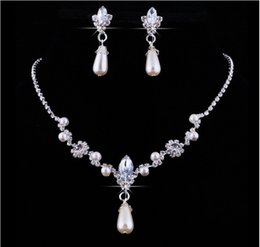 Wholesale pearl earrings bridesmaids - 2018 Crystal Drop Pearls silver plated necklace Imitation earrings Wedding jewelry sets for bride Bridesmaids women Bridal Accessories