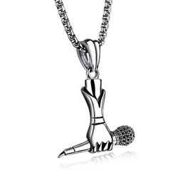 Musik halskette anhänger online-Kreative Männer Hip Hop Musik Titan Stahlsänger Mini Mikrofon Tag Anhänger Kette Halskette Trendy Schmuck Unterstützung FBA Drop Shipping G888F