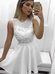 2018 Elegante Encaje Blanco Vestido Corto De Graduación Vestido De Fiesta Joya Pura Cuello Transparente Apliques Línea A Satén Hollow Volver Diseñador