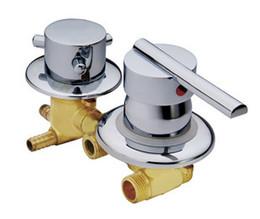 Personnaliser le robinet de mélangeur de pièce de douche de cuivre de sortie d'eau de 2-5 manières, douche mélangeant la tête de cabine de valve, robinet de robinet en laiton ? partir de fabricateur