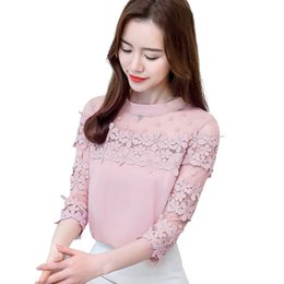 Moda 2018 Primavera Otoño Mujeres Elegantes Camisas Petal 4/3 Mangas Malla Encaje Flor Dot Camisa Blusa WhitePink Señoras Tops T81471A desde fabricantes