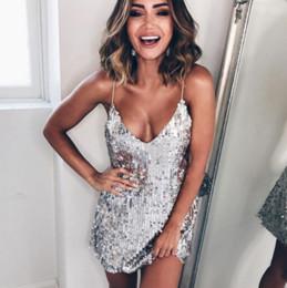 2019 vestido novo vestido vermelho 2019 vestido de baile Sexy lantejoulas de prata mulheres vestido Profundo decote em v sem mangas vestido curto Elegante vestidos de festa à noite casual verão