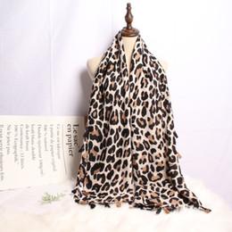 Écharpe imprimée léopard femmes hiver couverture écharpe chaude douce  cachemire épaissir châles foulards pour femmes dame f5d04cfbe18
