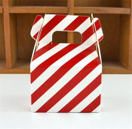 2019 compleanno dei bambini della scatola del partito Nuova casa MOQ 200 pezzi 1 colore di carta Candy Box striscia regalo borsa Cioccolato Confezione Bambini Festa di compleanno Decorazioni di nozze Bomboniere compleanno dei bambini della scatola del partito economici