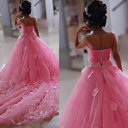 Wholesale Blue Strapless Flower Girl Dresses - 2018 Lovely Pink Little Flower Girls Dresses Lace 3D Hand Made Flowers Sleeveless Chapel Train with Big Bowk Peagent Dresses