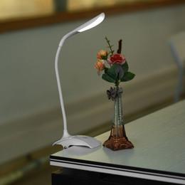 Lampada da tavolo della batteria principale online-wholesale USB / Battery Power Clip su LED Desk Lamp bianco 14 LED Light Table Bedside Book Lampada da lettura per letto