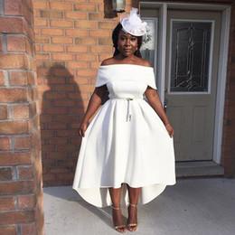 Vestidos curtos on-line-Vestidos de Cocktail 2019 Hi-lo Branco Dubai Bateau Barato Partido Árabe Mulheres Africano Fora Do Ombro Vestido de Baile Curto Oriente Médio Vestidos de festa