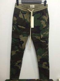 Pantalones de carga urbana online-Nueva S-2XL marca urbana de ropa chinos pantalones de camuflaje kanye west camo corredores hombres FOG FEAR OF GOD pantalones de cremallera lateral de carga