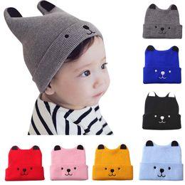 2019 il crochet porta i cappelli Toddler Bambini Kids GirlBoy Baby Cartoon  Orso caldo Crochet Knit. 33 3f9792ed4881