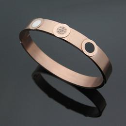 Canada Bracelet fantaisie en acier au titane rond noir et blanc avec un gros bracelet pour hommes et un bracelet en argent avec de l'or 18 carats supplier karat gold Offre