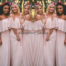 Vestido de dama de honor largo rosa bohemio online-Últimas Blush Pink Vestidos de dama de honor de estilo bohemio Con pliegues en el hombro Gasa Vestidos largos de fiesta Vestido de fiesta bonito barato para bodas