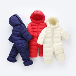2019 cappotto di neve del neonato 2018 primavera inverno tuta bambino neonato tuta da neve abbigliamento da neve cappotti ragazzo pagliaccetto caldo 100% piumino di cotone vestiti della ragazza della tuta cappotto di neve del neonato economici