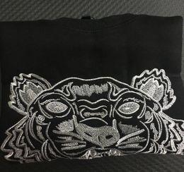 Spedizione gratuita Moda uomo / donna ricamo testa di tigre maglione di cotone maglione giacca tuta felpe con cappuccio felpe taglia S-2XL 13 colori cheap women s sweatshirt tiger fashion da la tigre della maglietta felpata delle donne fornitori