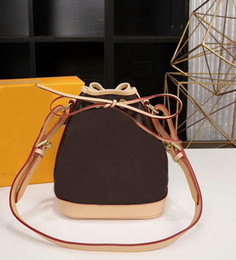 Wholesale Handbags Bb - Famous Brand Men Women M40817 Genuine leather Montaigne Messenger bag Bucket handbag Noe BB Crossbody bag CX#30 With Straps Wallets