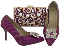 2019 stilettos púrpura del rhinestone Hermosos zapatos de tacón de aguja de tacón de aguja púrpura de 8,5 cm con decoración de diamantes de imitación zapatos africanos juego de bolsos para vestir BL003 rebajas stilettos púrpura del rhinestone