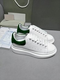 Wholesale Ladies Fashion Flat Shoes - 2018 Designer Luxury Brand Man Casual fitness Shoes New Mens Womens Fashion White Leather comfortable Shoes Flat Casual Shoes Lady green