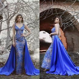 2019 vestidos abiertos de la correa del cordón Diseñador Royal Blue Lace Beaded Mermaid Vestidos de baile con falda larga Faldas de espalda abiertas Vestidos largos Vestido de fiesta formal Nuevo 2019 rebajas vestidos abiertos de la correa del cordón