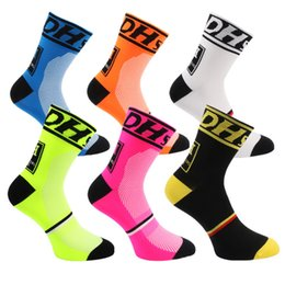 Wholesale Tennis Bike - Good Quality Professional Middle Socks Mountain Bike Cycling Outdoor Sport Socks Protect Feet Breathable Wicking Men Bicycle Socks 6 Colors