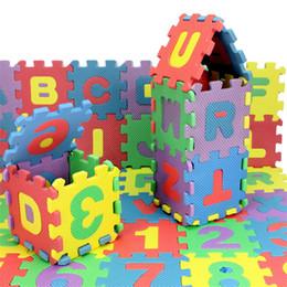 Alfabeto de espuma de brinquedos on-line-36 pçs / pacote Mini Puzzles Macio Espuma EVA Mat Crianças Aprendizagem Toy Educação Digital Alfabeto Letras A ~ Z Alfabética 0 ~ 9 Numérico