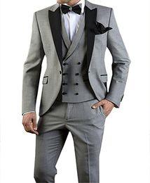 Canada Tuxedos populaires de conception de marié un bouton gris clair Peak revers hommes d'honneur meilleur costume de mariage hommes costumes (veste + pantalon + veste + cravate) supplier design tuxedo mens suit Offre
