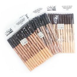 2019 plantilla de polvo de ceja Menow Eyebrow Eyeliner Lápices Cosméticos 2 en 1 Maquillaje Lápices para cejas + Concealer Stick Pencil Super Coverage 3 colores 12pcs / lot maquillaje