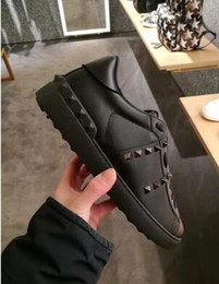 2020 designer-damen-schuhe All Black Lady Komfort Casual Dress Schuh Sport Sneaker Mens Casual Leder Schuhe Designer Womens Freizeit Laufschuhe Lowtop Sneakers günstig designer-damen-schuhe