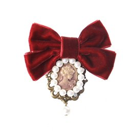Wholesale Head Girl Pin - New Women Velvet Bow Tie Vintage Cameo Lady Head Simulated-pearl Brooch Chic Girls Elegant Costume Jewelry Collar Pin Good Gifts