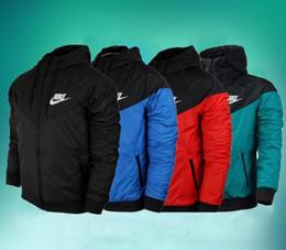 Spring fall jackets men s online-Caldo! Cappotto sottile giacca autunno / primavera uomo, giacca sportiva giacca a vento uomo e donna esplosione modelli neri paio giacca windrunner 252