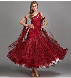 robe de bal en satin rouge Promotion concours de danse de salon rouge robes robe de bal standard robes de danse standard costumes de bal robe valse de bal