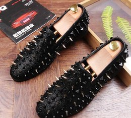 Wholesale Trendsetter Shoes - HOT! Fashion Trendsetter Men's Studded Rivet Spike Loafers Homecoming Dress Shoes Italy Male Party Wedding Shoes Sapato Social Free shipping